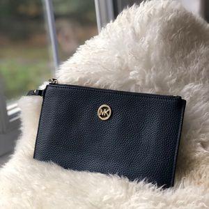 MICHAEL KORS clutch / wristlet/ purse